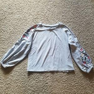 Embroidered bubble sleeve sweatshirt